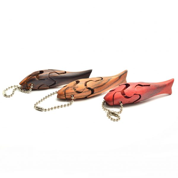 Wooden handmade fish puzzle keychain using different woods, small handmade gift, gift for fisherman, handmade puzzle, unique keychain
