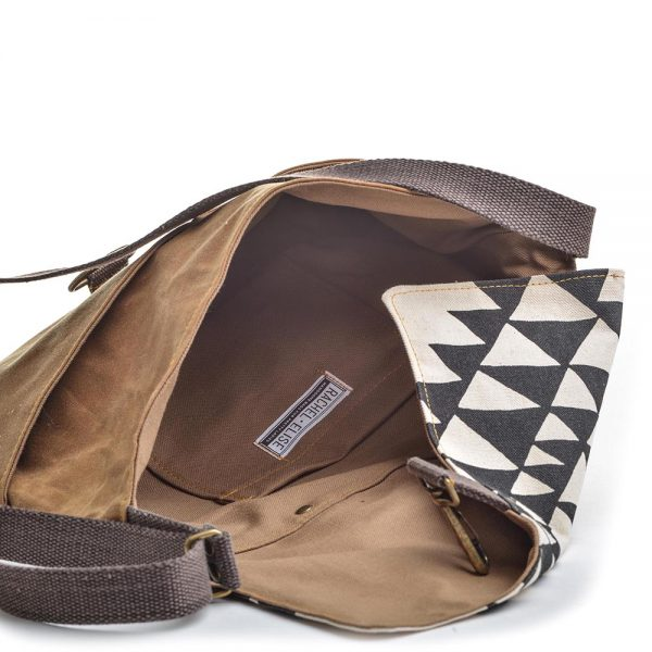 inside view of pocket, waxed canvas bag