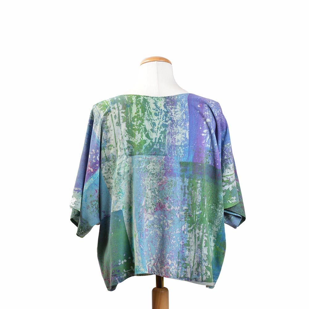 back view of handmade short sleeve silk shirt, handmade clothing, tn fiber artist, folk art center show