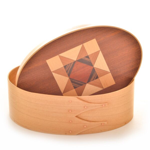maple shaker box with cherry with and quilt pattern