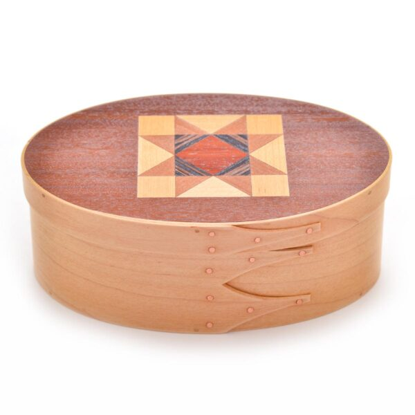 maple shaker box with quilt pattern on lid