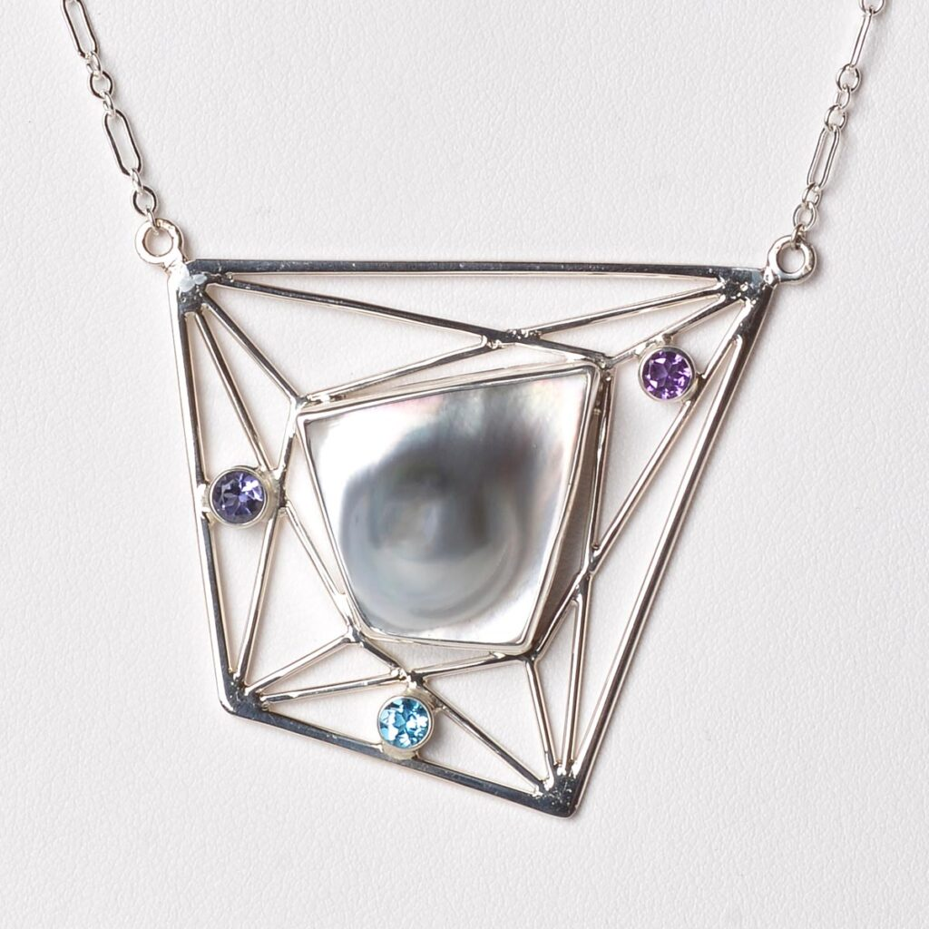 large necklace with blister pearl