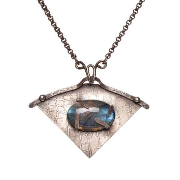 eye of the dragon necklace with labradorite oval stone