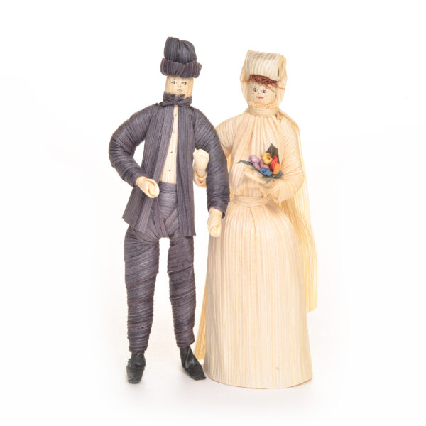 traditional bride and groom, cornshuck figures, old time cake topper