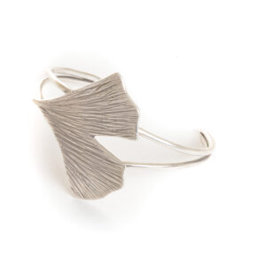 silver ginkgo cuff bracelet, handcrafted ginkgo silver jewelry, nature jewelry