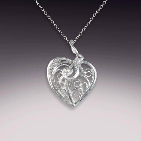 3d handmade filigree silver heart pendant