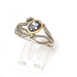 multi-twig oval gem ring