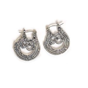 medium wave hoop earrings